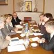 Проведение переговоров фото