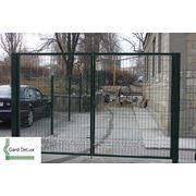 Ворота из оцинкованной проволоки. фото