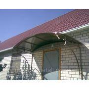 Козырек фасадный покрытый крашенной жестью. фото