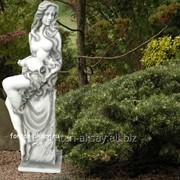 Уличная фонтанная скульптура Мария фото
