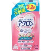 Жидкость для стирки, LION, Acron, для деликатных тканей, Цветы, сменный блок, 900 мл фото