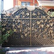 Ворота с художественной ковкой 26 фото