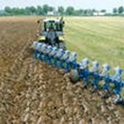 Услуги по обработке земли: вспашка фото