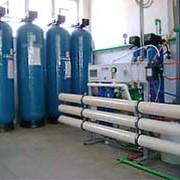 Гибридная установка возобновляемых источников тепловой энергии (воздушные тепловые насосы и гелиополе с латентным аккумулятором тепла), используемая для качественного и бесперебойного обеспечения объектов горячей водой фото
