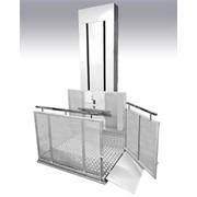 Вертикальный подъемник для инвалида с сопровождающим г/п 350кг фото