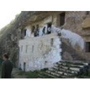 Скальный монастырь в селе Ципова фото