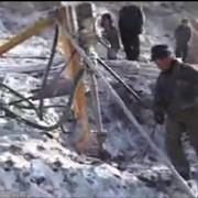 Малогабаритная буровая установка для карьеров гранитных, щебневых и горных склонов. фото