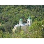 Mонастырь «Святая Троица» в селе Сахарна фото
