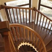 Лестницы из массива дерева фото