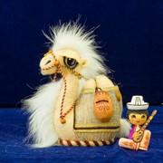 Подарки и сувениры, Верблюжонок малый с кувшином, Сувенирный верблюжонок. фото