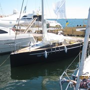 Крейсерско-гоночная парусная яхта новая. фото