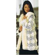 Вязаное пальто крючком. фото
