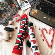 Новогодние цветные носки фото