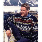 Мужской свитер с оленями фото