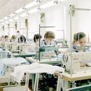 Услуги швейного цеха: пошив одежды и белья фото