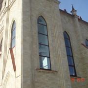 Облицовка зданий натуральным Дагестанским камнем фото