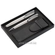 Ручки в подарочной коробке фото