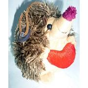 Ёжик мягкий с сердцем на присоске 12х7см фото