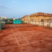 Профессиональный теннисный корт+ земля под постройку на берегу азовского моря. фото