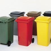Контейнеры пластиковые для мусора фото