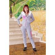 Модный утепленный спортивный костюм с мехом фотография