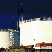 Покраска нефтяных резервуаров фото