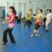 Оздоровительные гимнастика и танцы для пенсионеров и женщин среднего возраста фото