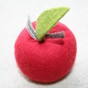 Яблоко из войлока фото