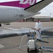 Очистка самолетов фото