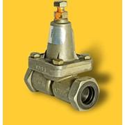 Клапан двухмагистральный 100-3562010 применяется в пневматической тормозной системе грузовых автомобилей, автобусов, колесных тягачей, прицепов и полуприцепов фото