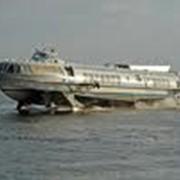 Перевозки пассажирские водным транспортом. фото