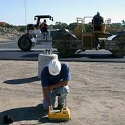 Контроль качества строительства автомобильных дорог фото
