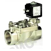 Клапан электромагнитный нормально закрытый из нержавеющей стали для агрессивных сред ptfe, + 60 + 180 °с, 21 x 2 kv 120 ÷ 21 x 4 kv 250 фото