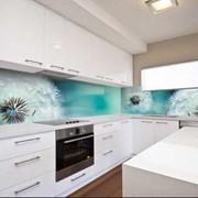 Изготовление скинали и фартука из стекла на кухню фото