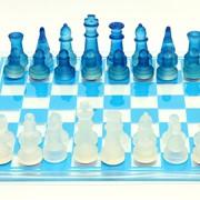 Шахматы голубые фото