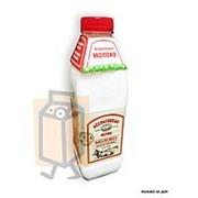 Молоко пастеризованное Асеньевская ферма цельное 3,4-6% 0,9л бутылка фото