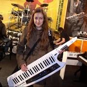 Наплечный синтезатор Roland AX фото