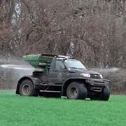 Самоходный вездеход разбрасыватель гранулированных удобрений на полях AMAZONE ZA-M 900 фото
