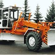 Автогрейдер ГС-14.02 среднего класса ГС-14.02 - эффективная машина для выполнения строительства и содержания автомобильных дорог. фото