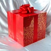 Подарочная коробка для оформления витрин фото