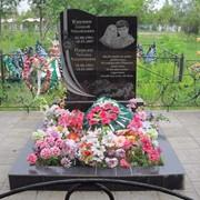 Памятник гранитный фигурный фото