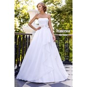 Нежное свадебное платье коллекция 2015 фото
