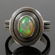 Серебряное дизайнерское кольцо с опалом от WickerRing фото