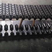 Гусеница резиновая Terex PT50 / CAT 247 381x101,6x42 фото