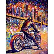 Мотоцикл в городе, яркая картина маслом на холсте. фото