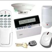 Установка систем видеонаблюдения, охранно-пожарной сигнализации и контроля доступа фото