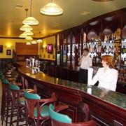 Барные стойки для для ресторанов и пивных пабов любого размера и конфигурации фото