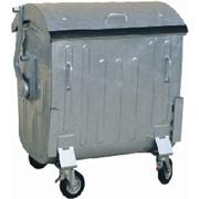 Металлический контейнер.для сбора коммунальных и промышленных отходов. Наличие крышки защищает от выпадения отходов.Вторсырье.Отходы.Вторичная тара и упаковка Бумага.Макулатура. фото