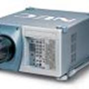 Аренда мультимедийного проектора XT5100 для крупных мероприятий фото