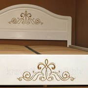 Белая мебель кровати, тумбы, комоды, шкафы, трюмо фото